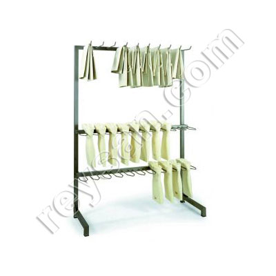 BOOTS HANGER AND APRONS
